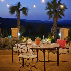 outdoor dining at casa la siesta