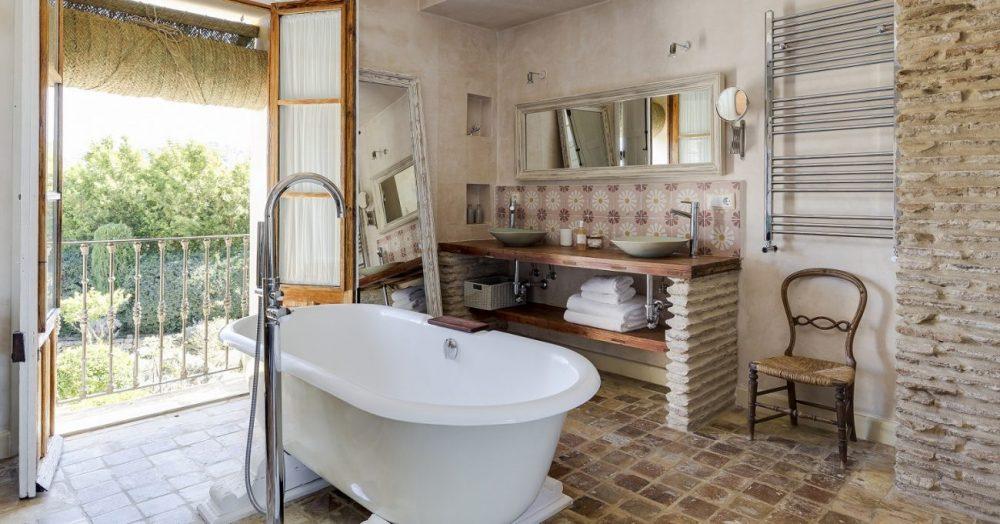 Beautiful hotel bathroom