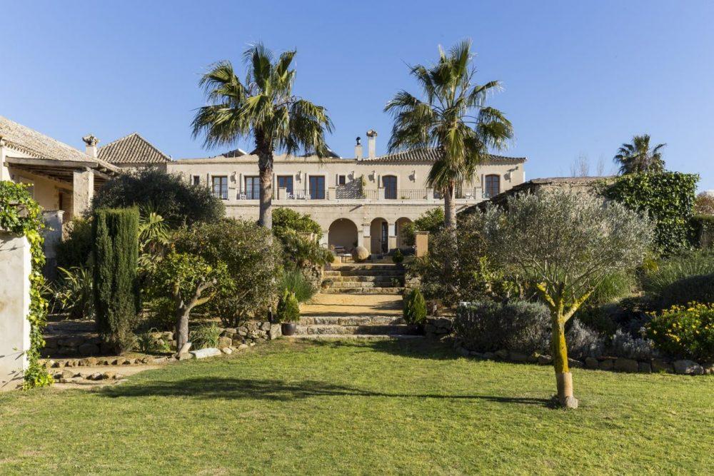 A large luxury villa in southern spain that sleeps 20 - Casa la siesta ...
