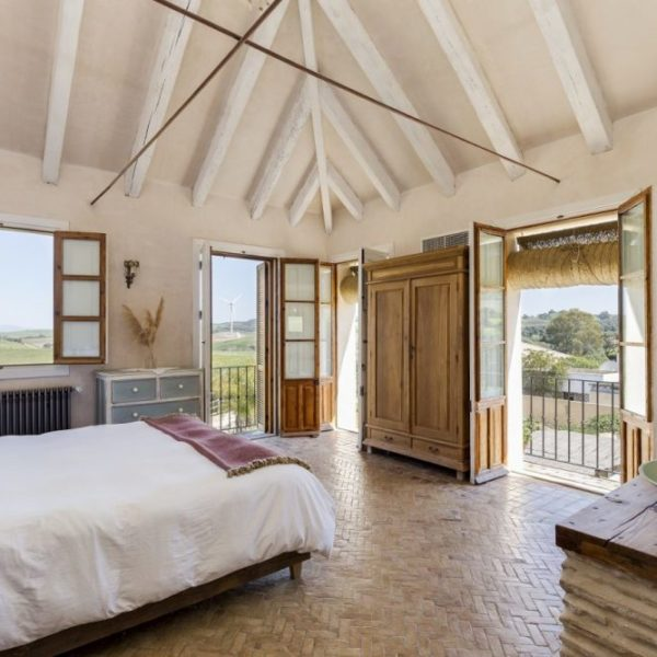 Light and spacious bedroom with stunning views