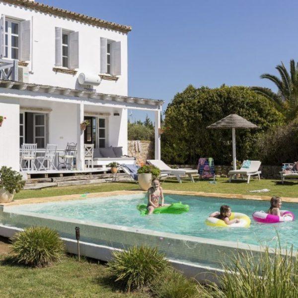 The villa with children