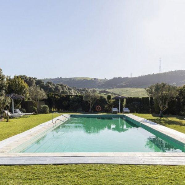 Luxurious pool in Cadiz countryside