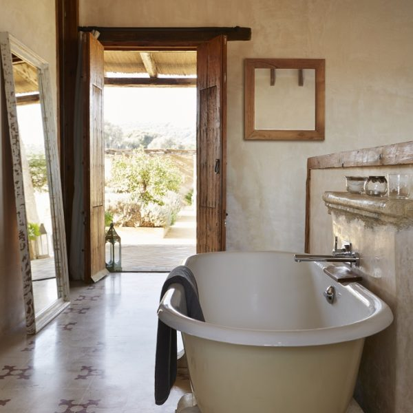Roll Top Bath and Double Shower in a Suite